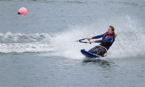 Wakeboarding Kneeboarding Beginners   Tallington Lakes