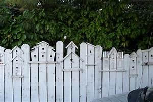 les 25 meilleures idees de la categorie palissade sur With sculpture moderne pour jardin 2 decorez votre cour avec les nains de jardin