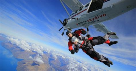 sky dive skydiving new zealand everything new zealand