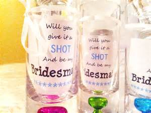 how to ask someone to be your bridesmaid diy way to ask your bridesmaids savegreenonwearingwhite