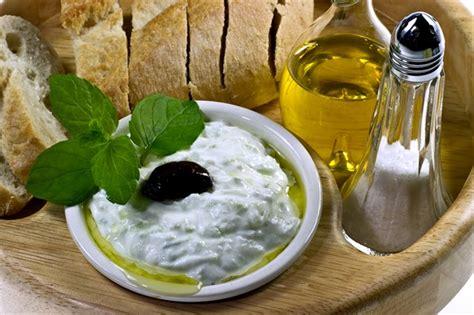 salsa tzatziki la ricetta originale greca  le varianti