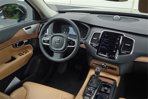 image  volvo xc  inscription quick drive july