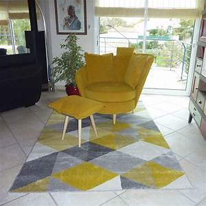 tapis design grafik grand tapis de salon aux tons jaunes With tapis jaune avec canapé 1m30