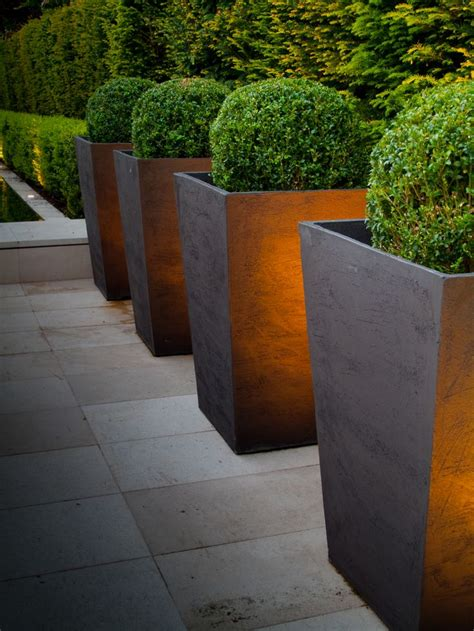 Modern Outdoor Planters by Best 25 Large Planters Ideas Only On Large