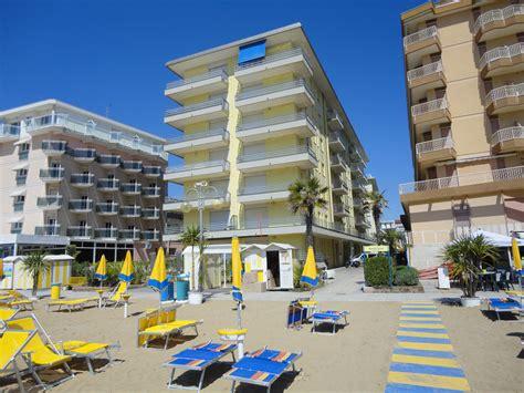 appartamento jesolo piazza mazzini jesolo lido appartamento frontemare uk immobiliare