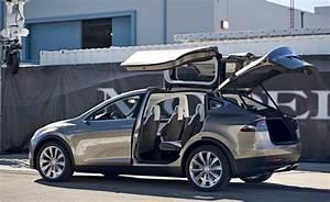 Tesla Porte Papillon : tesla model x le suv lectrique en concession d but 2015 ~ Nature-et-papiers.com Idées de Décoration