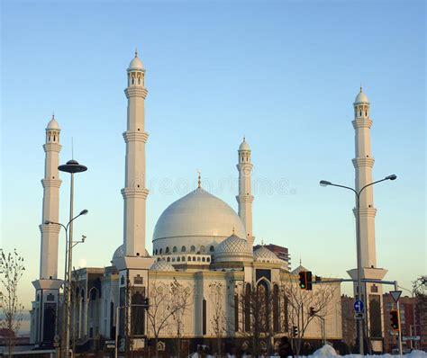 jama masjid minaret india  largest mosque stock photo