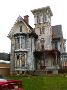 Houses That Look Haunted