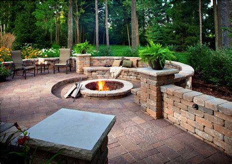 Paving Ideas For Backyards by Paving Designs For Backyard Yard Paving Ideas Paving