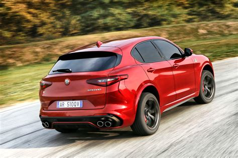 alfa romeo reveals quadrifoglio stelvio suv engine technology