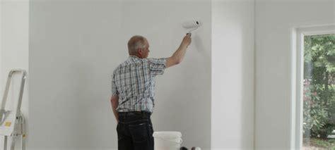 slaapkamer muur egaliseren muur verven alabastine helpt u aan het beste resultaat