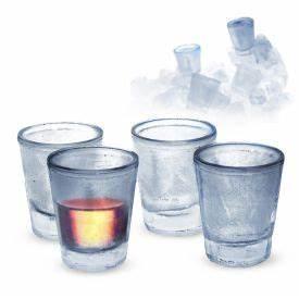 Schnapsgläser Mit Gravur : bierglas mit gravur frauenfu ball spruch auf 0 4 l pilsglas ~ Watch28wear.com Haus und Dekorationen