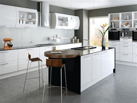 white gloss kitchen cabinets lincoln style kitchen with high gloss white finish 1313