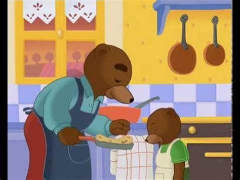 trotro fait la cuisine petit ours brun fait des crêpes petit ours brun