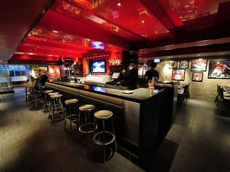 manchester united restaurant bar bars  pubs  tsim sha tsui hong kong