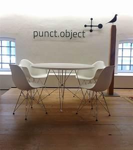 Stühle Im Eames Stil : magis tavolo xz3 tisch rund und vitra eames dsr st hle in unserer ausstellung im stilwerk ~ Indierocktalk.com Haus und Dekorationen
