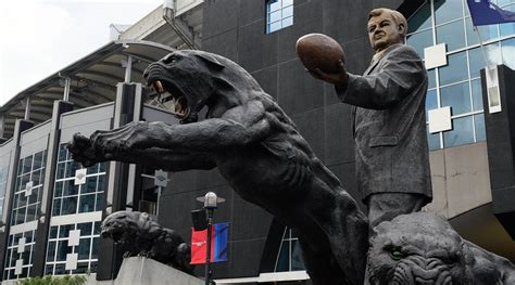 panthers  remove jerry richardson statue