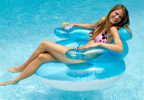 Pool Floats That You Need Now For Your Pool