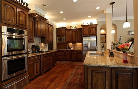 kitchen ideas with hardwood floors what color hardwood floor with cherry cabinets that you 9387