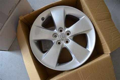 sale oem   prius version  wheels priuschat