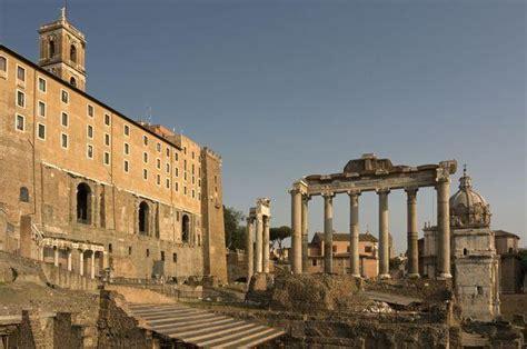 il tabularium ed il tempio della triade capitolina che