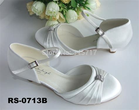 2014 Best Selling Latest 2 3cm Low Heel Satin Wedding Shoes Round Toe White Bridal Shoes Wedding Locations Eastern Shore Md Hungary Bermuda Malibu Small Chapels In Utah Japan Abroad Tacoma Wa