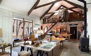 40 inspiring artist home studio designs digsdigs for Stylish home art studio furniture