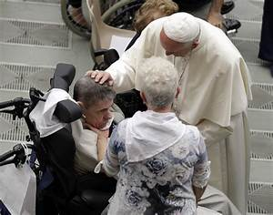 Pope embraces Huntington's afflicted in bid to end stigma ...