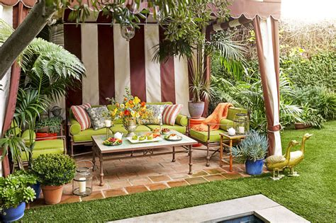 Backyard Ideas For Summer by 10 Outdoor Ideas How To Throw A Backyard