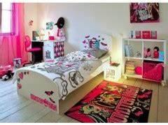 decoration et mobilier chambre de fille baldaquin lit With accessoire monster high pour chambre