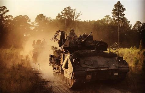 guidance warfighting reconnaissance commander cavalry military vehicles commanders leader themilitaryleader companyleader scouts
