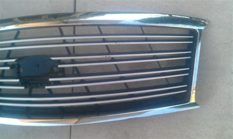 find    infiniti   front chrome grille