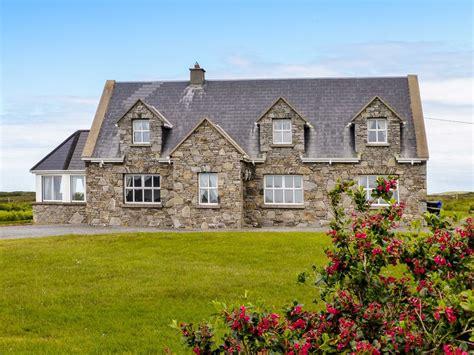 Realt Na Maidne In Claddaghduff County Gal Homeaway