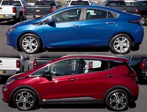Infographic Comparing 2017 Chevy Volt To Chevrolet Bolt