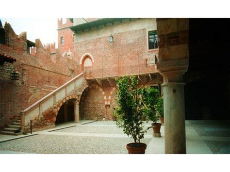 casa romeo e giulietta verona monumenti di verona casa di romeo