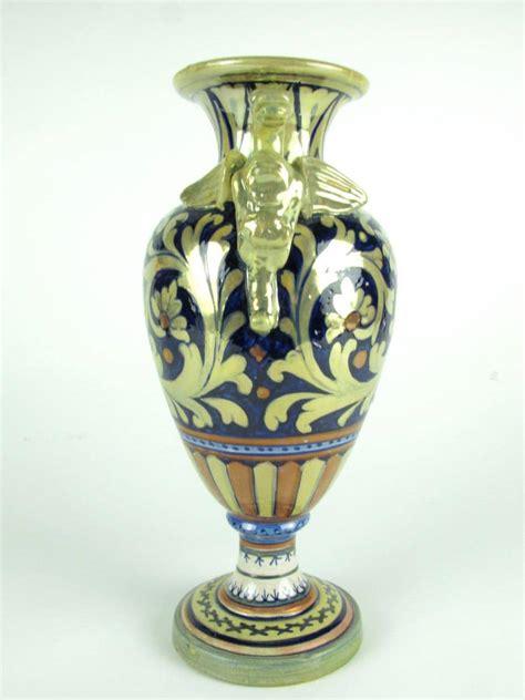 vaso in ceramica vaso in ceramica a lustro gualdo tadino decorato con fiori