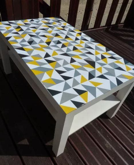 plaque pour recouvrir carrelage mural cuisine idées diy 7 façons de customiser une table ikea lack