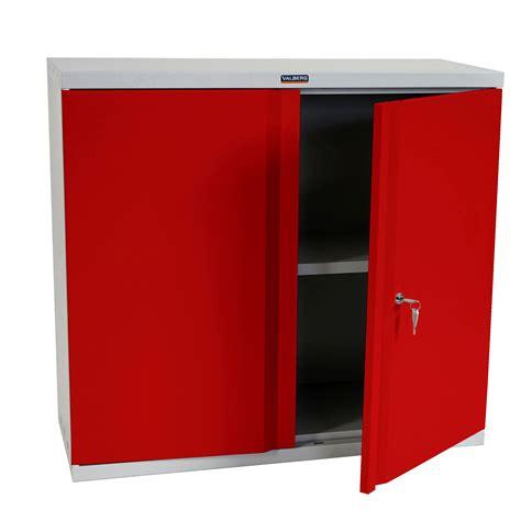 armoire metallique bureau armoire metallique collection avec armoire portes en