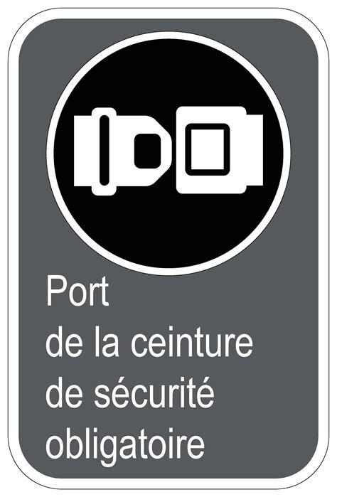 port de la ceinture de securite