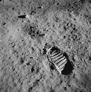 'One small step' - First footprint on the moon by Neil ...