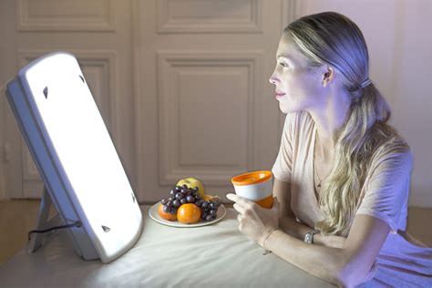 Should You Try Light Therapy to Treat Seasonal Affective
