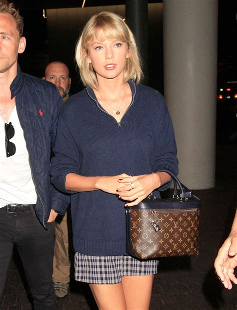 week celebs flaunted  designer handbags  significant    globe