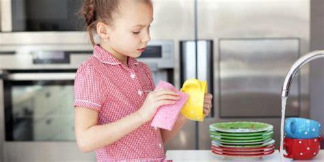 alasan  anak  ikut bersih bersih rumah merdekacom