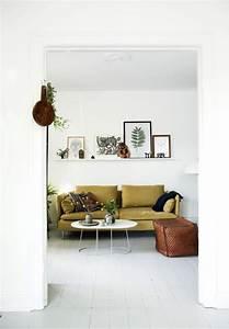 comment assortir son decor a un canape moutarde With tapis de souris personnalisé avec canape scandinave moutarde