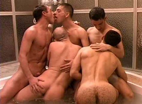 Orgía Gay En El Jacuzzi Iporno Videos Xxx Hd Gratis