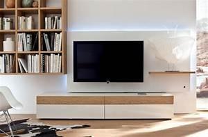 Wohnwand Weiß Holz : moderne wohnwand mit led beleuchtung 55 ideen ~ A.2002-acura-tl-radio.info Haus und Dekorationen