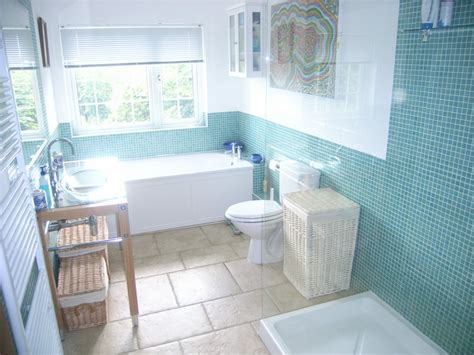 bathroom decorating ideas for small spaces bathroom designs for small spaces bathroom wall paper