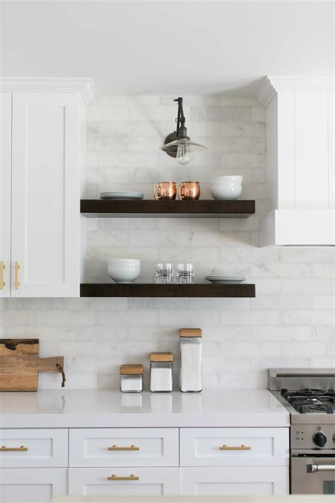 12 Ways to Decorate With Floating Shelves   HGTV's
