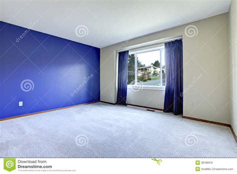 empty room   conctrast royal wall stock photo image