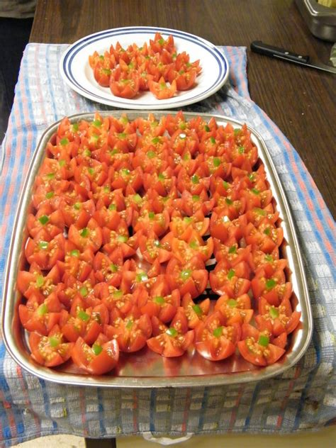 cuisine a domicile tomate cerise en dent de loup photo de décoration plats